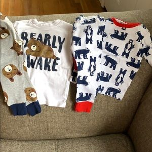 Long sleeved Carters bear pajama sets - 12m